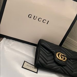 All black Gucci Hand Bag